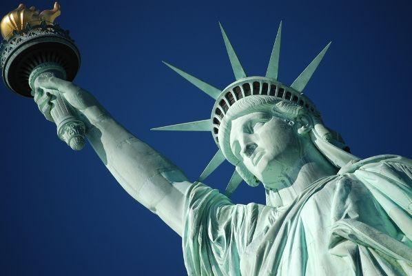 USAAmericanSymbolStatueofLibertyBloggre