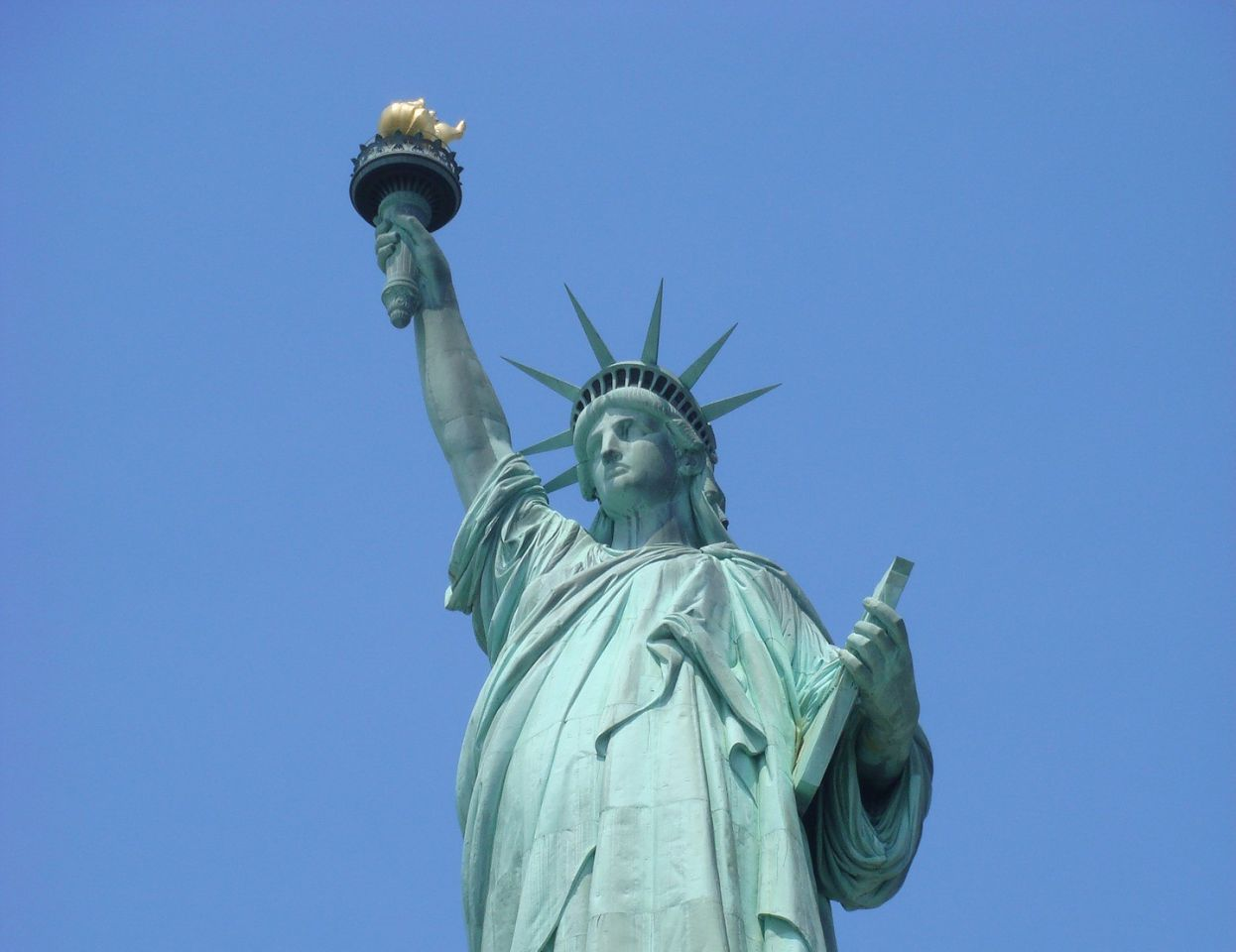 Aline-Dassel-Statue-of-liberty